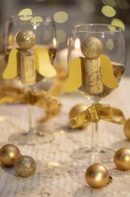 Fotografie květin, fotky květinových dekorací pro publikace na téma fotografie, květiny, kytky, dekorace, fotky, advent, angel, ball, christmas, cork, decoration, diy, glass, gold, indoor, nobody, table, wine